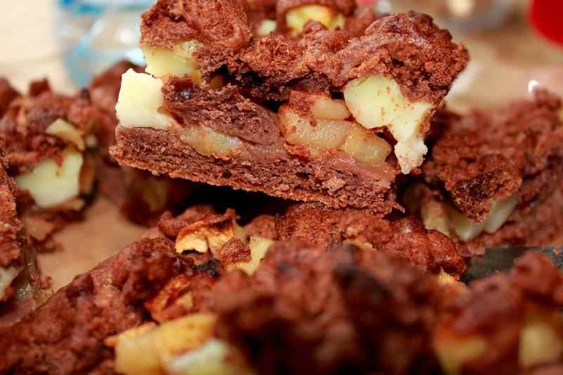 abłecznik, jak zdrobić jabłecznik, smaczny jabłey jabłecznik, zdrowa dieta, przepisy, szybkie ciasto, szarlotka, przepis na jabłecznik, przepis na szarlotkę, zdrowy styl joanny