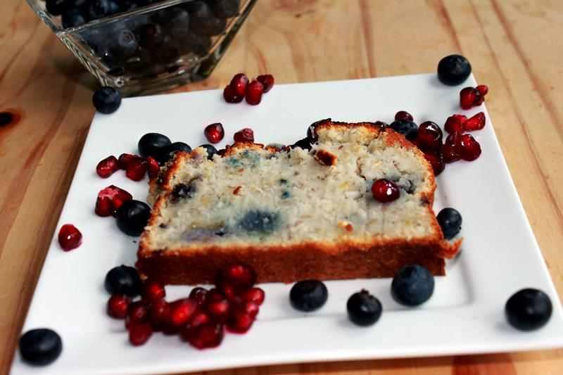 przepis przepisy na ciasto z mąki kokosowej, przepis przepisy na ciasto z mąki ryżowej, jak zrobić ciasto z owocmi, przepis przepisy na fit ciasto , jagody, ciasto z jagodami, mąka kokosowa,, fit ciasto, zdrowy styl joanny,