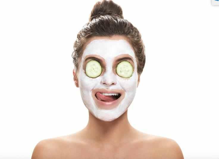 Maseczka do twarzy z jogurtem naturalnym , jogurt naturalny, kosmetyki z jogutrem, domowe kosmetyki, maseczka z jogutu, maseczka na twarz, pielęgnacja twarzy