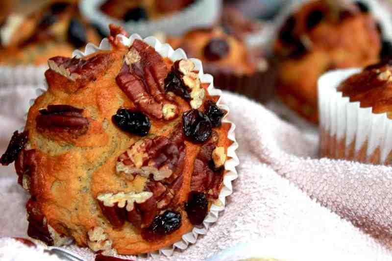 Pyszne muffinki bananowe z orzechami pekan, MUFFINKI, BABECZKI, ZDROWE SLODYCZE, FIT SŁODYCZE, ZDROWY STYL JOANNY, domowe babeczki, domowe muffinki, fit muffiny, dietetyczne babeczki