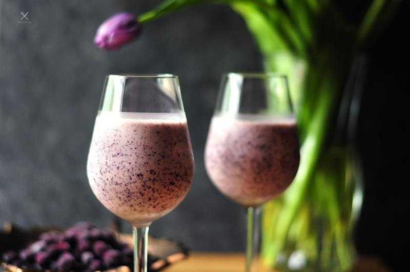 oktajl z jagód i płatków owsianych, jagody, platki owsiane, koktajl z płatkami owsianymi, zdrowy koktajl, zdrowe smoothie, zdrowy styl joanny, fit koktajl, fit smoothie