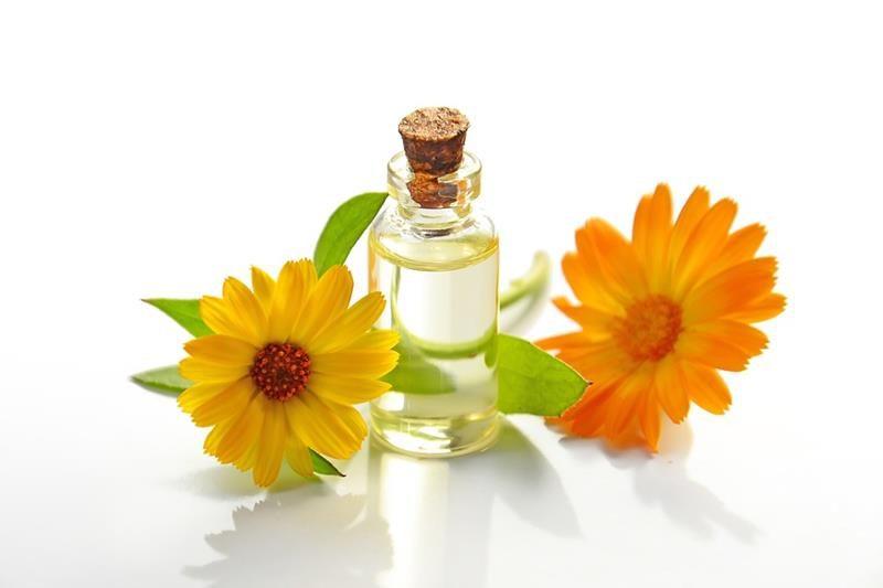 Domowy tonik do skóry normalnej. naturalne kosmetyki, tonik to warzy, pielęgnacja twarzy, zdrowy styl joanny