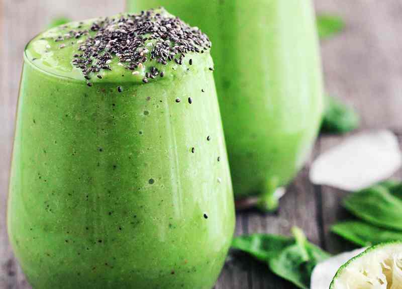 Koktajl z kiwi, brokuła i szpinaku. szpiank, brokuł, kiwi, zielony koktajl, przepis na zielony koktajl, zdrowe smoothie, smoothie owocowo warzywne, zdrowa dieta, dieta, fit koktajl, fit smoothie, dietetyczny koktajl, dietetyczne smoothie, zdrowy styl joanny, chia