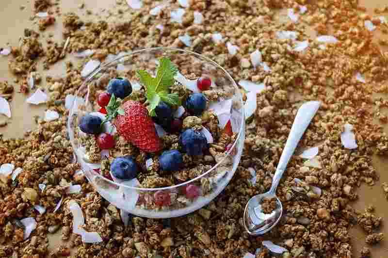 Domowa fit granola. domowe musli, smaczne śniadanie, zdrowe sniadanie, fit śniadanie, płatki owsiane, dynia, słonecznik, jak zrobić domową granolę, domowe musli, zdrowy styl joanny