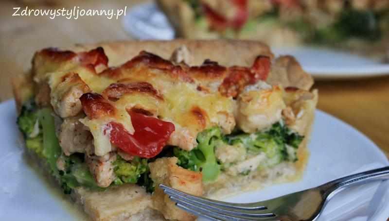 Tarta z kurczakiem, pomidorami i serem. tarta z kurczakiem, tarta z pomidorami, tarta z serem, tarta z brokułami, fit tarta, dietetyczna tarta, dietetyczny obiad, fit obiad, przepis na tartę, zdrowa tarta, zdrowy styl joanny,