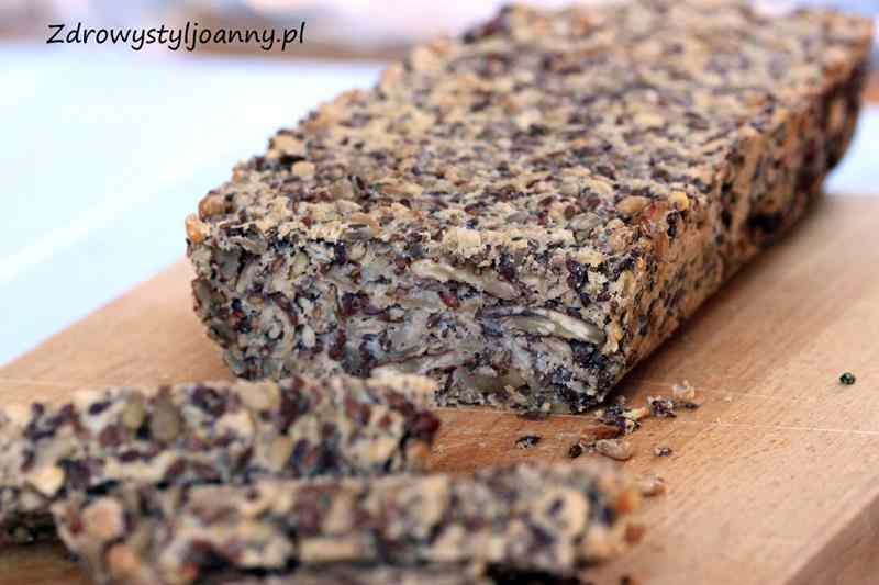 Zdrowy chleb z ziaren, bez mąki i jajek. przepis na chleb, chlebek, chlebuś, pyszny chleb, smaczny chleb, zdrowy chleb, len, siemę lniane, orzechy, pekan, bez jajek, bez mąki, słonecznik, nasiona słonecznika, ziarna, ziarna słonecznika, domowy chleb, przepis na chleb, zdrowy styl joanny, dieta, zdrowa dieta, redukcja, odchudzanie, syrop klonowy, fit przepisy, zdrowe przepisy,