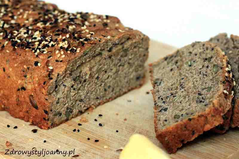 Domowy chleb wieloziarnisty. ziarna słonecznika, sezam, dynia, pestki dyni, pestki słonecznika, przepis na domowy chleb, domowy chlebyś, chleb bez zakwasu, smaczny chleb, zdrowy chcleb, chleb pelnoziarnisty, zdrowy styl joanny, ziarna, czarnuszka, blog kulinarny, zdrowy styl joanny, wiem co jem, przepisy, fit przepisy na chleb, domowe pieczywo,
