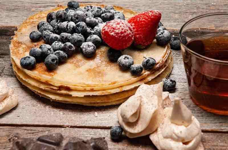 placki, placuszki, Naleśniki razowe. pyszne naleśniki, zdrowe naleśniki, śniadanie, obiad, kolacja, śniadanie na słodko, zdrowe placki, naleśniczki, dla dzieci, na ciepło, na zimno, dietetyczne naleśniki, zdrowy styl joanny, blog kulinarny, blogeka, influencer, influencer polska, zdrowo jem, odchudzanie, redukcja, bloger, przepisy, wiem co jem